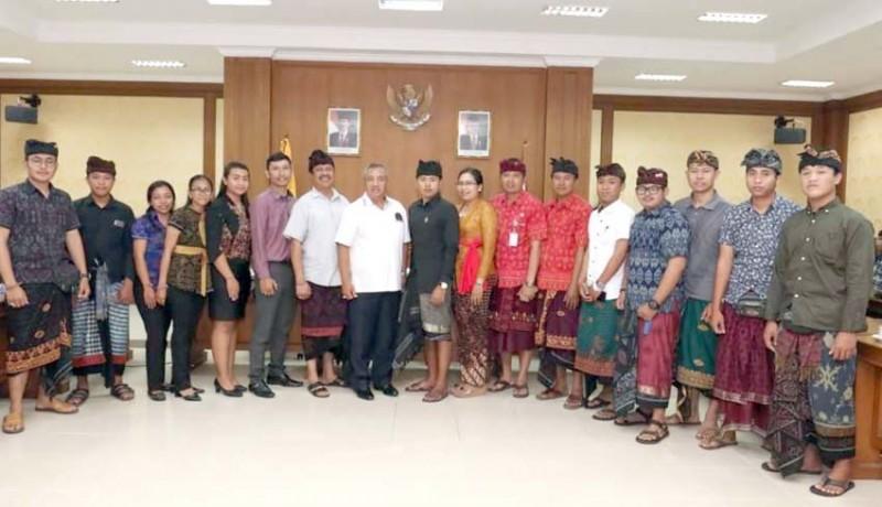 www.nusabali.com-parwata-dorong-generasi-muda-jadi-leader
