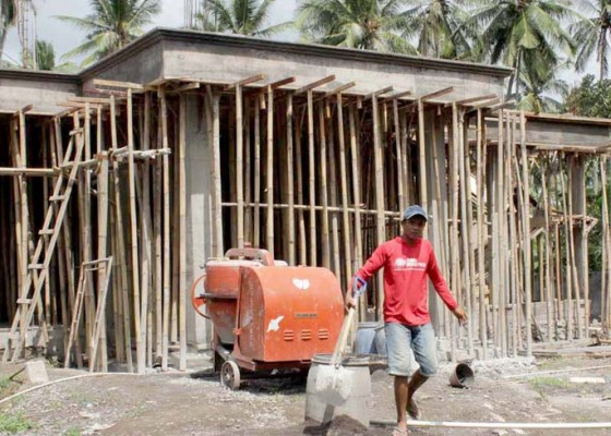 Nusabali.com - bangun-kantor-desa-di-pasar-seni