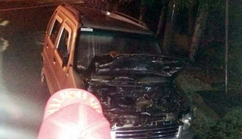www.nusabali.com-pulang-reunian-mobil-asn-terbakar