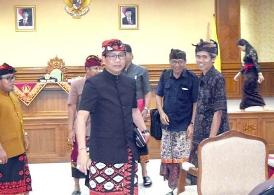 Nusabali.com - wabup-suiasa-buka-rapat-pleno-pekaseh-se-badung