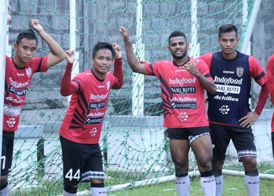 Nusabali.com - pelatih-pilih-game-internal