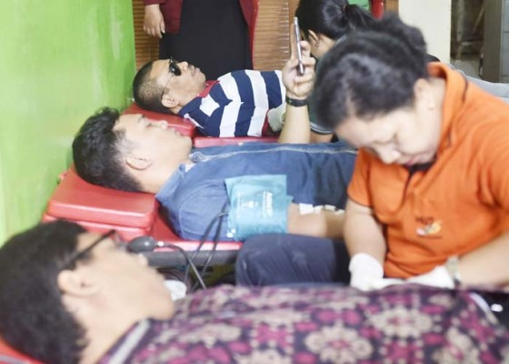 Nusabali.com - pertuni-bali-aksi-donor-darah-peduli-gempa-lombok