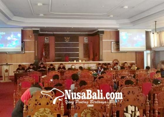 Nusabali.com - ketua-dprd-jembrana-gelar-turnamen-game-mobile-legend