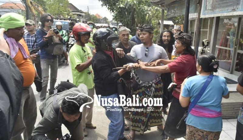 www.nusabali.com-rumahnya-dieksekusi-pemilik-minta-ditembak-mati