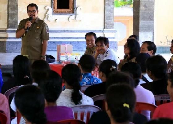 Nusabali.com - 4-kelompok-wirausaha-mendapat-pengembangan-dan-perluasan-kesempatan-kerja