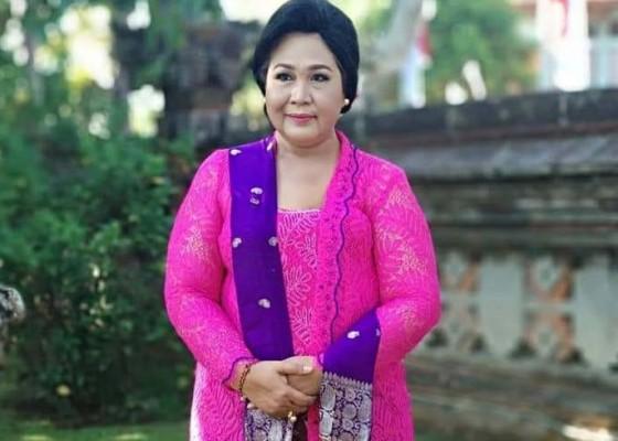 Nusabali.com - istri-bupati-bangli-meninggal-karena-kanker-payudara