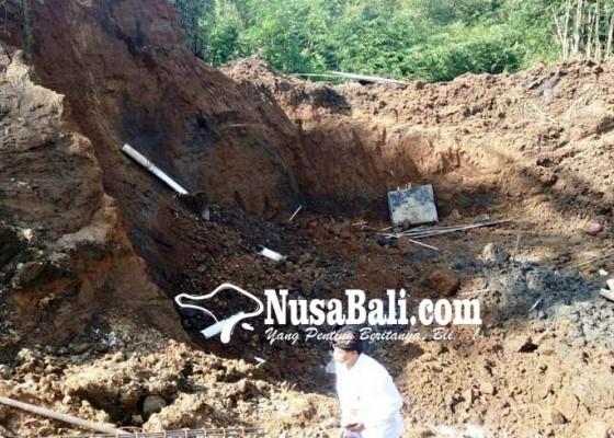 Nusabali.com - buruh-tertimpa-longsor-proyek-jembatan-berlanjut