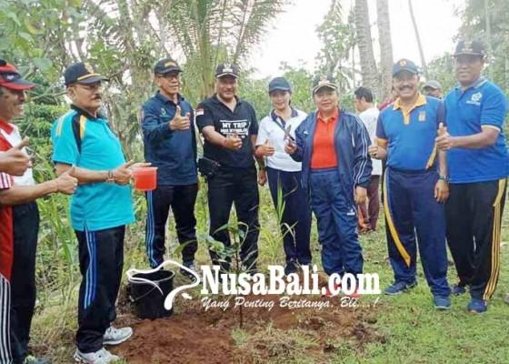 Nusabali.com - bupati-ajak-warga-bertanam-pohon