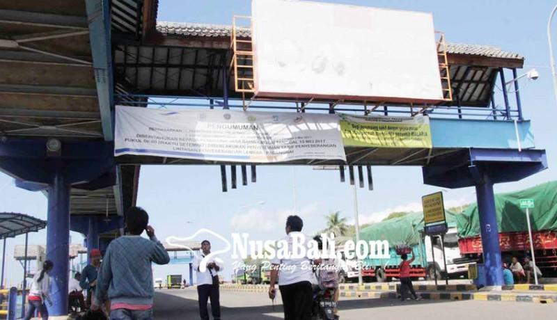 www.nusabali.com-gelombang-tinggi-aktivitas-pelabuhan-padangbai-normal