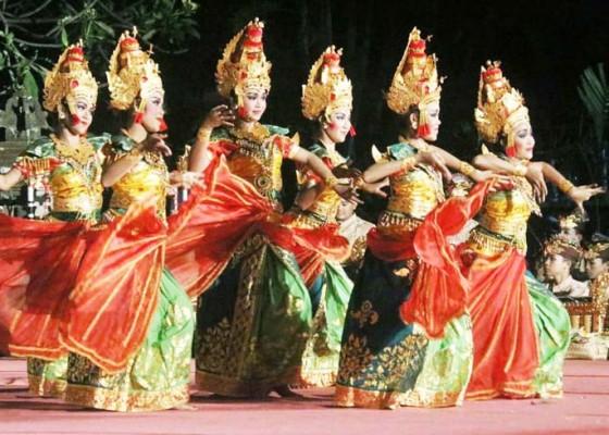 Nusabali.com - pertahankan-tradisi-dan-hilangkan-kesan-negatif