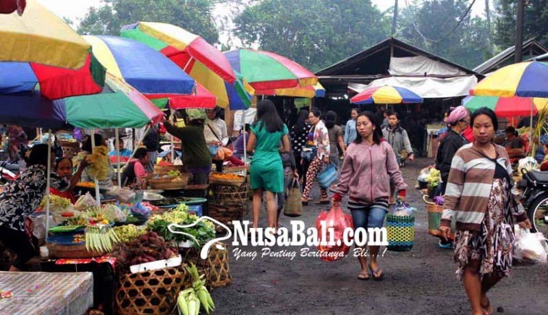 www.nusabali.com-purnama-kapat-133-pedagang-kembali-ke-pasar-selat
