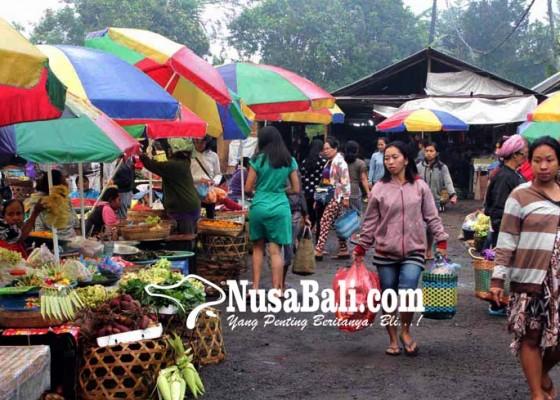 Nusabali.com - purnama-kapat-133-pedagang-kembali-ke-pasar-selat