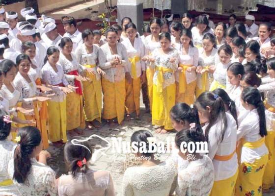 Nusabali.com - stikip-agama-hindu-amlapura-gelar-upanayana