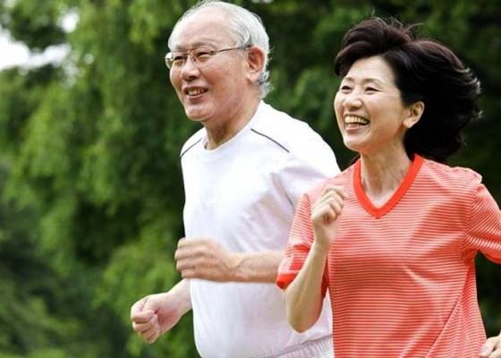Nusabali.com - kesehatan-olahraga-untuk-lansia-perpanjang-umur