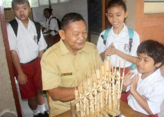 Nusabali.com - mengajar-bernyanyi-di-sdlb