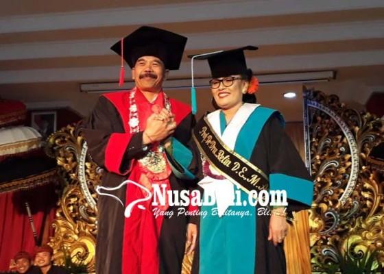 Nusabali.com - prof-relin-guru-besar-wanita-pertama-di-ihdn
