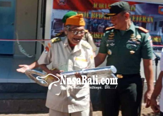 Nusabali.com - veteran-dapat-bantuan-bedah-rumah