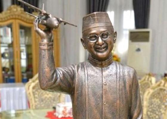 Nusabali.com - dibangun-patung-habibie-telan-rp-17-m