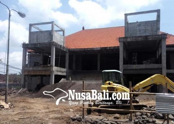 Nusabali.com - pengerjaan-pasar-loka-crana-dikhawatirkan-molor