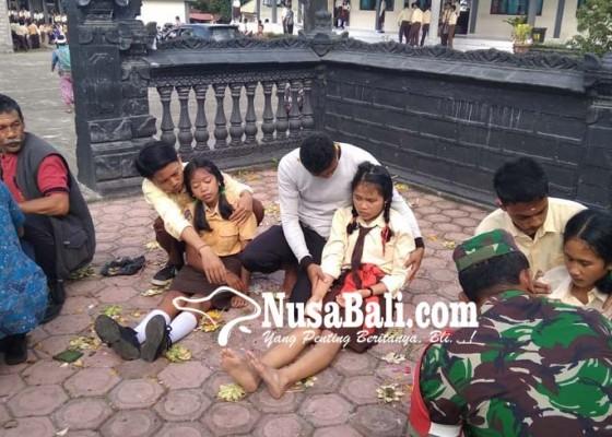 Nusabali.com - kerauhan-15-siswi-kemarin-diawali-teriakan-pegawai-tu