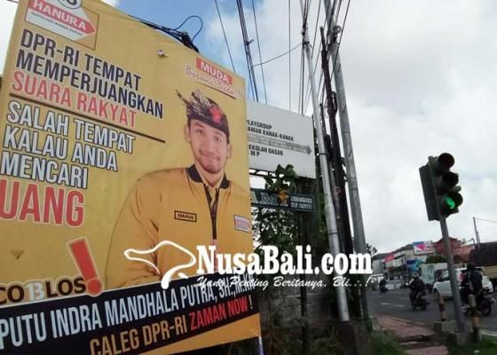 Nusabali.com - alat-peraga-caleg-menjamur-kpu-belum-bisa-sentuh