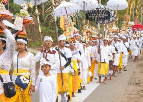 Nusabali.com - melasti-di-desa-pakraman-nangka