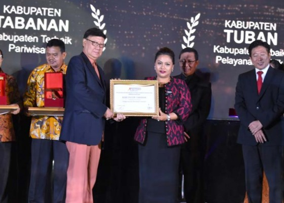 Nusabali.com - tabanan-raih-platinum-terbaik-pariwisata-2018