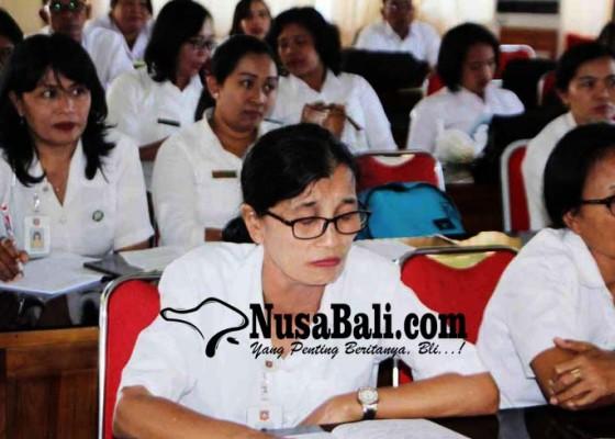 Nusabali.com - puluhan-guru-ikut-pelatihan-kurikulum-sd