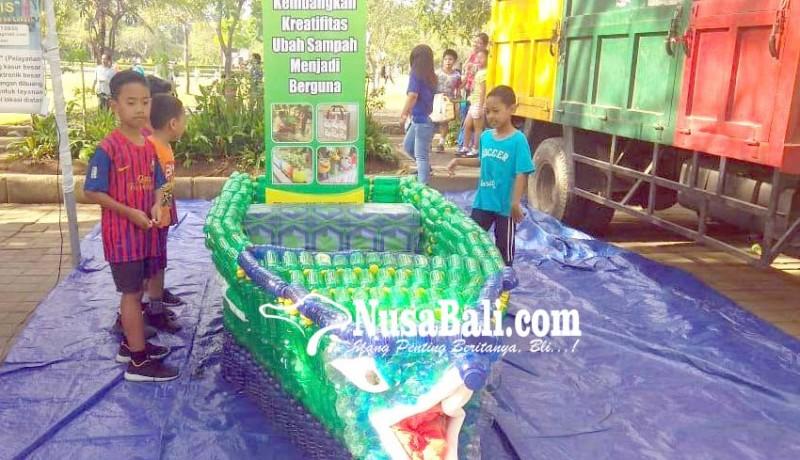 www.nusabali.com-perahu-berbahan-botol-plastik-ikut-dipamerkan