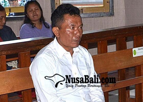 Nusabali.com - penyelundup-2-kg-kokain-lolos-hukuman-mati