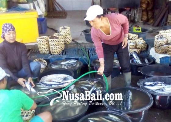 Nusabali.com - pindang-kusamba-rajai-pasar-ikan-di-bali