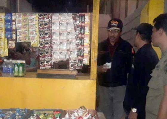 Nusabali.com - sidak-warung-di-pengambengan-satpol-pp-jaring-5-orang-duktang