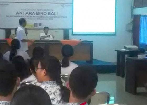 Nusabali.com - antara-biro-bali-kenalkan-jurnalistik-kepada-72-siswa-sma