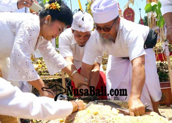 Nusabali.com - tawur-tabuh-gentuh-di-pura-penataran-agung