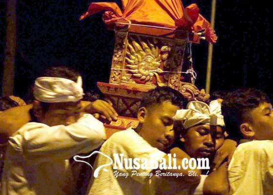 Nusabali.com - pamiyosan-usaba-kapat-di-pura-puseh-duda