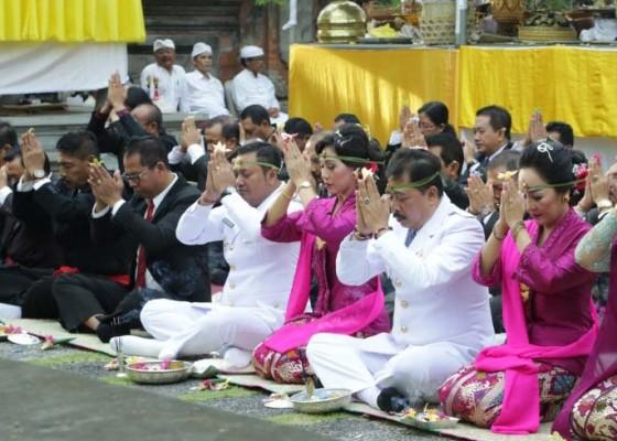 Nusabali.com - upacara-majaya-jaya-pelantikan-bupatiwabup-gianyar-dipuput-panca-rsi