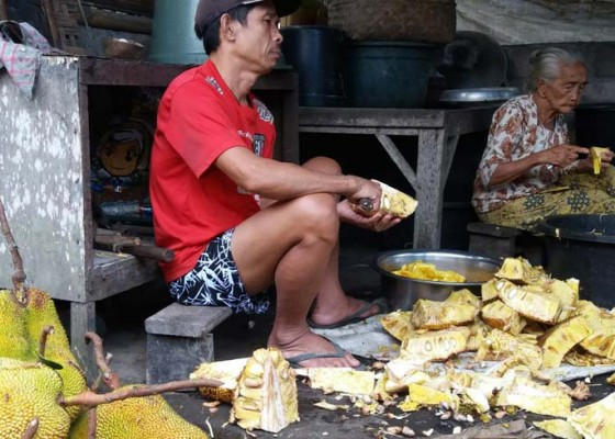 Nusabali.com - dinas-perdagangan-dorong-dodol-besan-tembus-pasar-modern