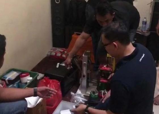 Nusabali.com - polisi-bongkar-pabrik-ekstasi-jenis-baru