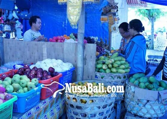 Nusabali.com - pedagang-senggol-kuasai-terminal-subagan