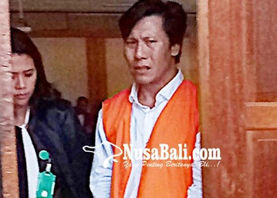 Nusabali.com - dituntut-6-tahun-residivis-narkoba-nangis