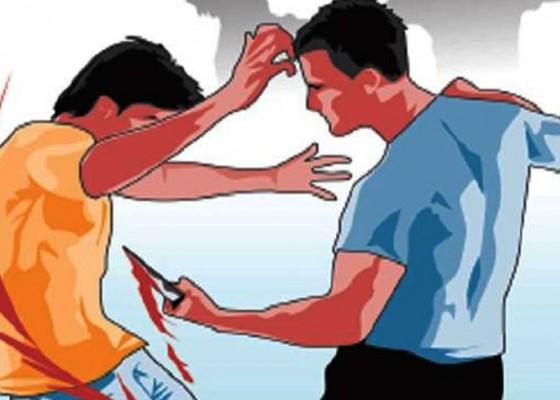 Nusabali.com - kacab-bank-di-kediri-diduga-ditusuk-anak-buah