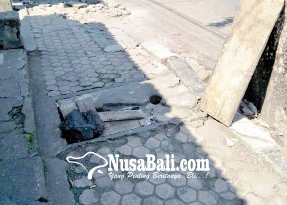 Nusabali.com - trotoar-jalan-provinsi-rusak