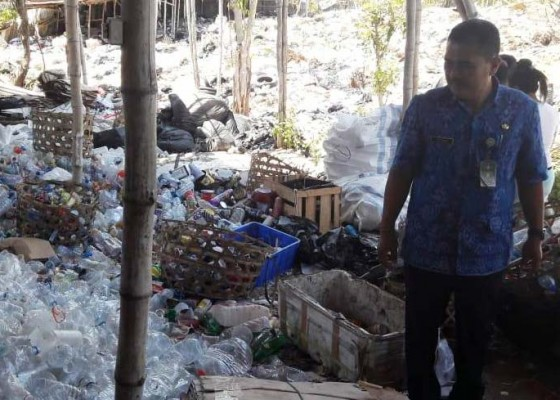 Nusabali.com - asap-dari-timbunan-sampah-dikeluhkan
