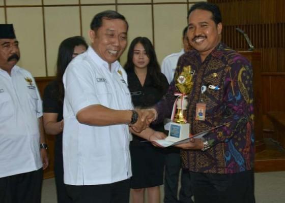 Nusabali.com - tiga-kali-berturut-denpasar-terbaik-keterbukaan-informasi-publik-se-bali