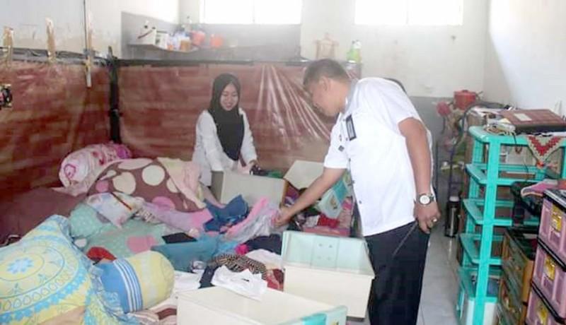 www.nusabali.com-cari-narkoba-dapat-hp