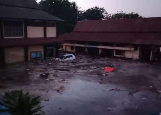 Nusabali.com - usai-gempa-74-sr-tsunami-terjang-palu