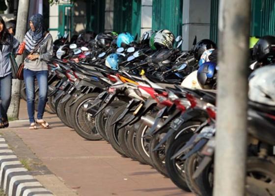 Nusabali.com - tarif-parkir-progresif-terbatas