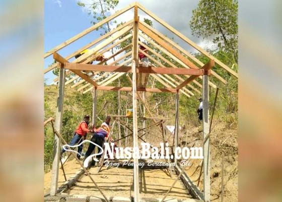 Nusabali.com - pasebaya-bangun-rumah-penakluk-gunung-agung