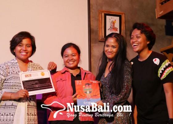 Nusabali.com - peserta-bebas-ungkapkan-apa-saja-lewat-puisi-di-unspoken-bali-poetry-slam