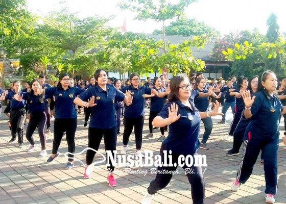 Nusabali.com - 1500-peserta-ikuti-senam-janger-emas-perdiknas